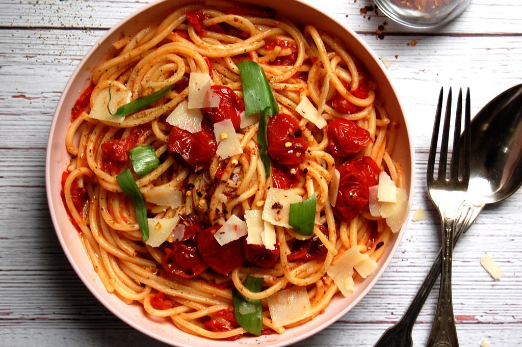 Sheet Pan Pasta Pomodoro Sauce