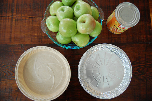 The Best Disposable Pie Pan aluminum tin cardboard with apples and pumpkins