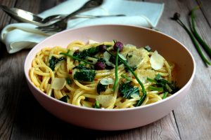 ramps chives carbonara pasta spaghetti in bowl