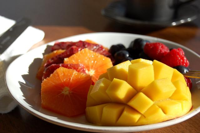 fruit platter of mango and citruc