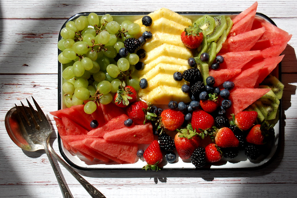 How to Arrange a Fruit Platter