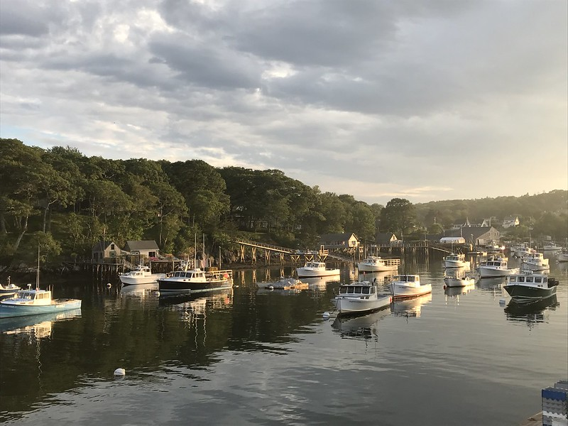 harbor scene in Maine at restaurant deck for dining guide