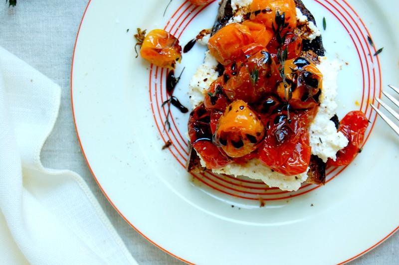roasted grape tomato bruschetta on toast with ricotta