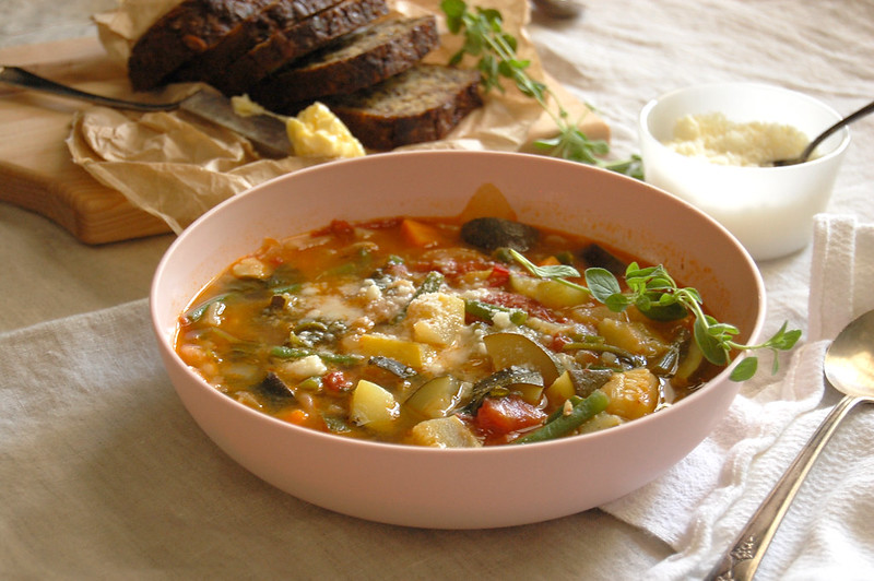 bowl of summer vegetable minestrone soup recipe