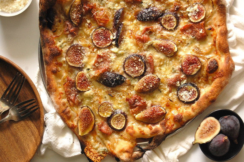 fig prosciutto pizza with gorgonzola and honey