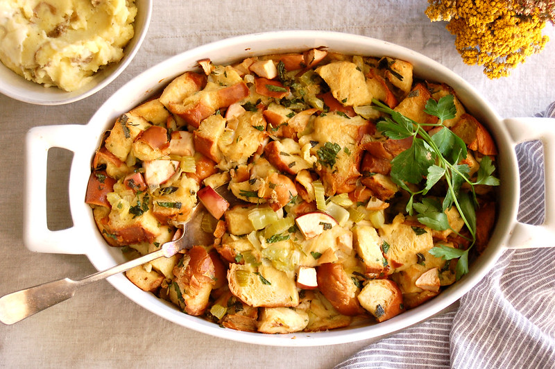 baked thanksgiving stuffing dressing recipe in casserole