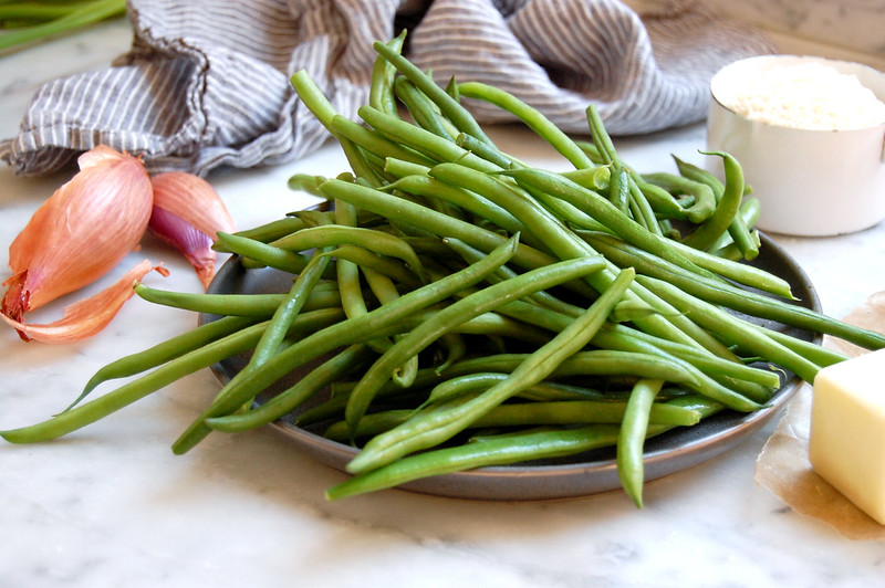 plate of haricots verts green beans