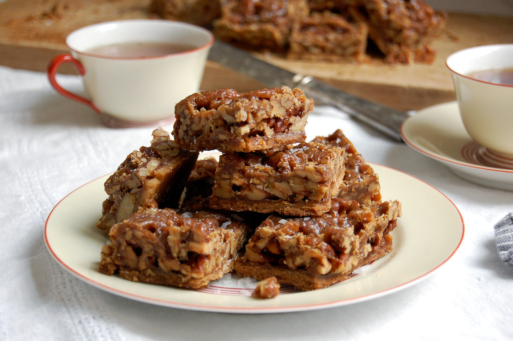Pecan Pie Toffee Bars