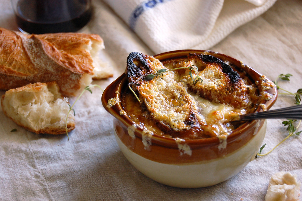Très Authentic French Onion Soup