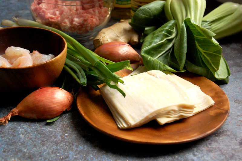 wonton soup ingredients pork shrimp wrappers scallions shallot