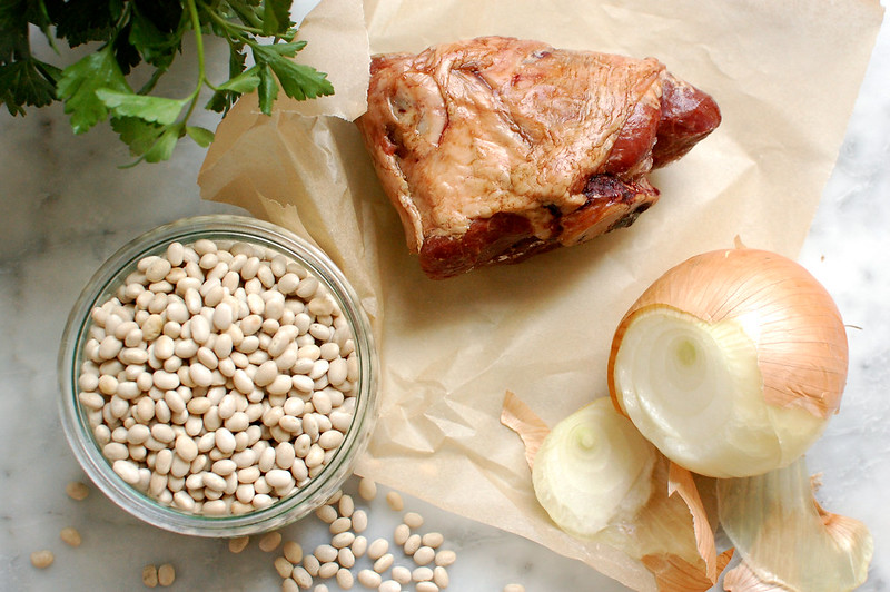 senate bean soup ingredients ham hocks navy beans onion
