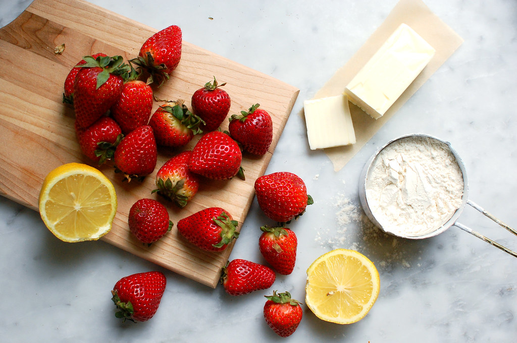 strawberries butter flour sugar and lemon ingredients