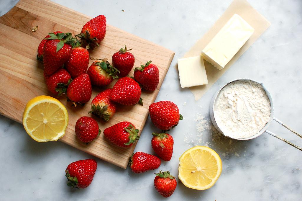 strawberries butter flour sugar and lemon ingredients
