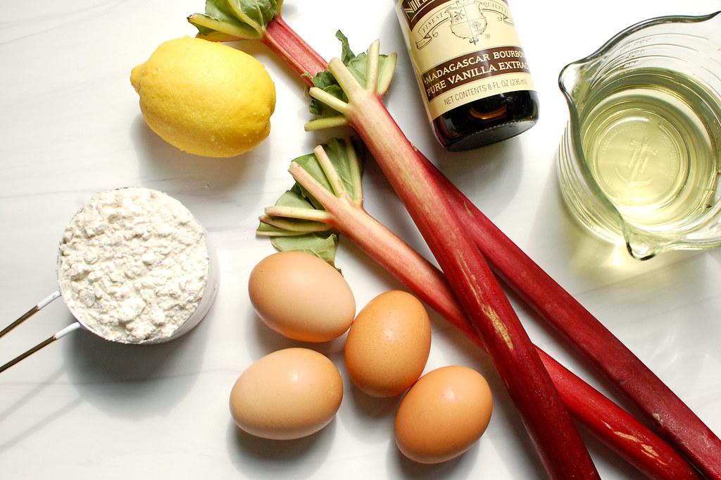 rhubarb cake ingredients eggs flour sugar oil vanilla rhubarb lemon