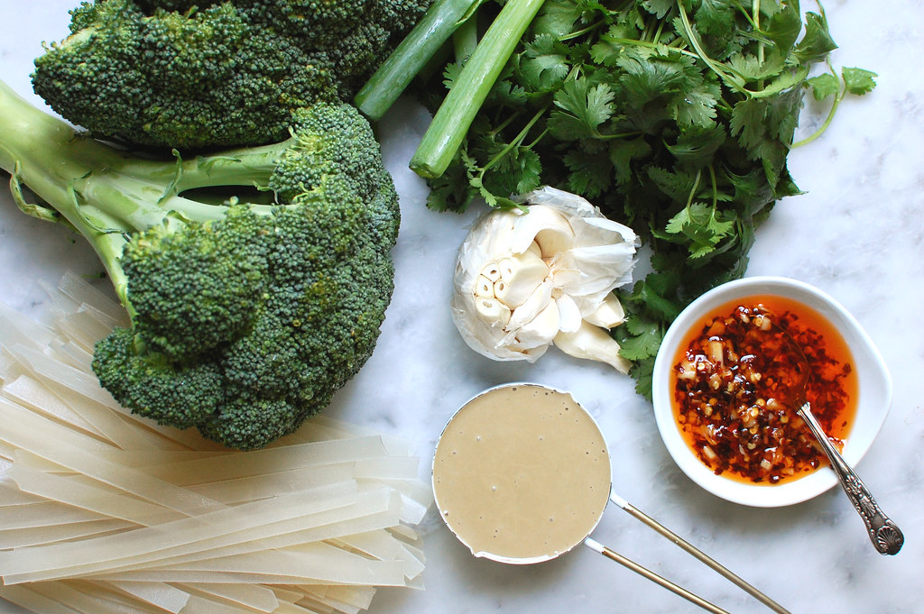 ingredients for Chinese noodle salad broccoli tahini garlic rice noodles