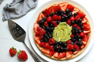 French Fruit Tart Recipe With Mixed Fruit and Berries and vanilla custard pastry cream