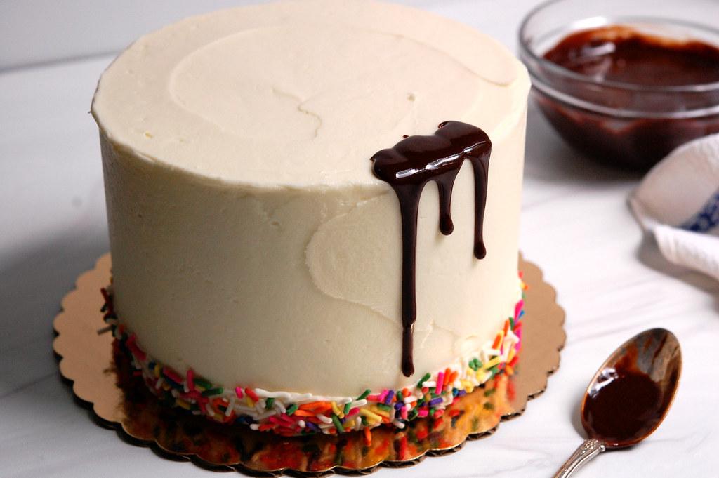 How to Make a Chocolate Drip Cake: Cake Decorating Recipes + Technique