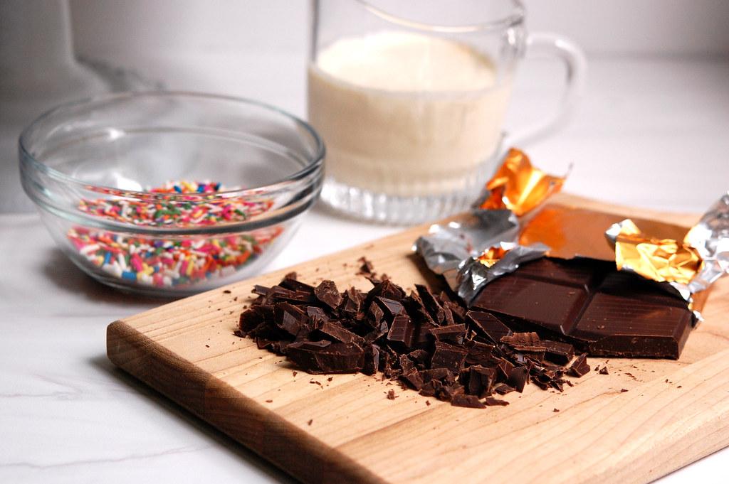 chocolate heavy cream sprinkles for cake decorating