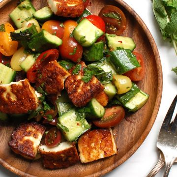 Tomato Cucumber Salad with Fried Halloumi Cheese: Summer Salads