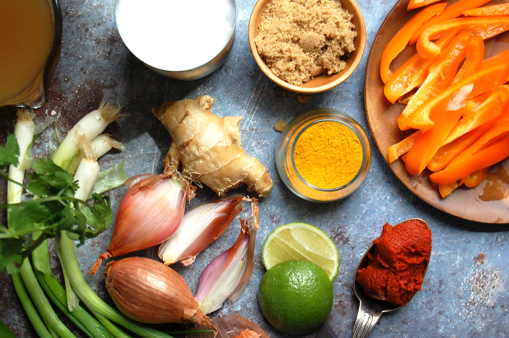 Thai coconut chicken curry ingredients lime shallot, bell peppers