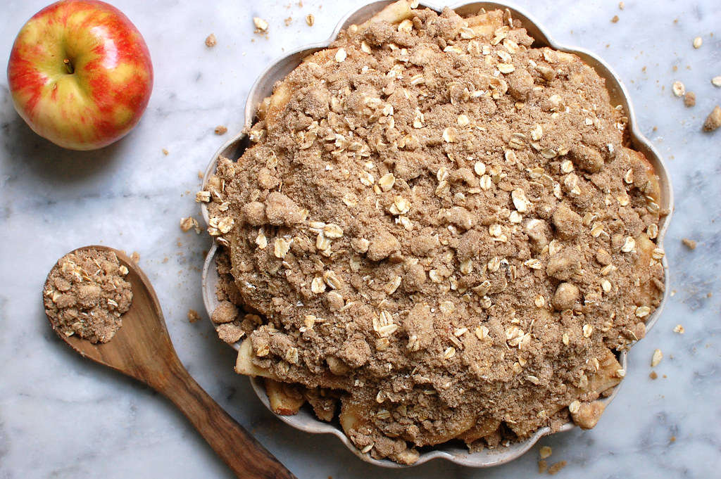 unbaked apple crisp with oatmeal topping