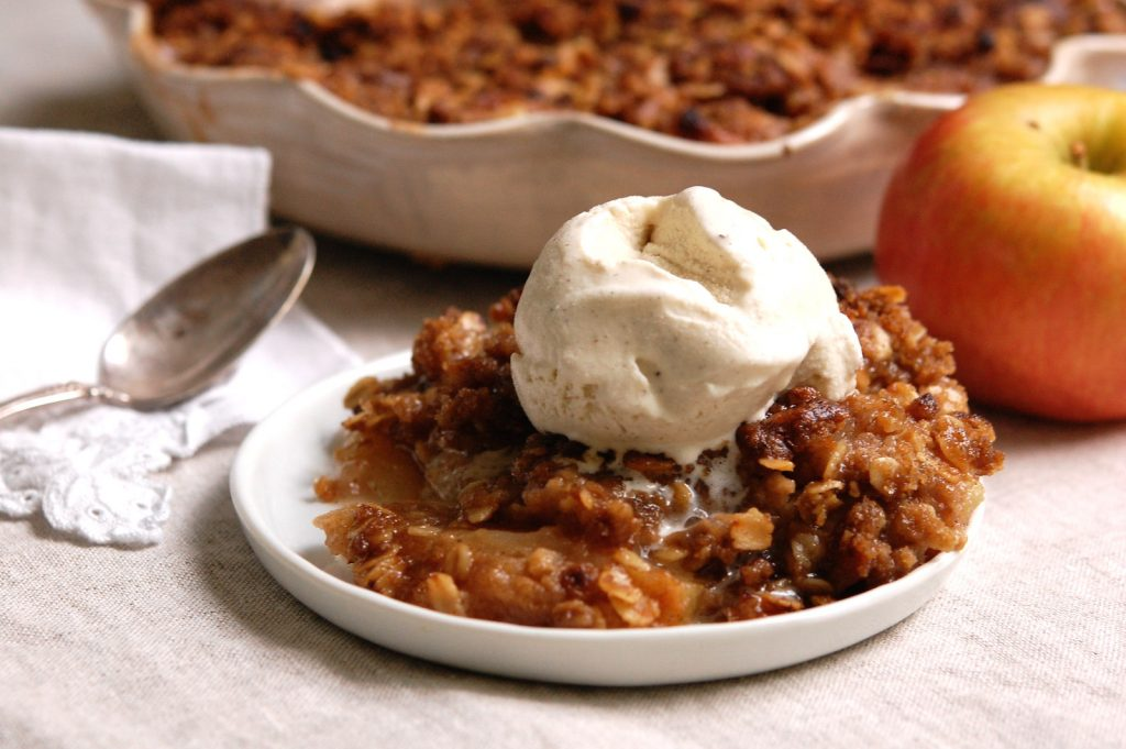 Deep-Dish Apple Crisp With Oatmeal Topping